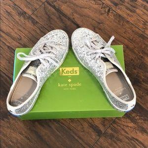 Kate Spade ♠️ Glitter Akers Kicks